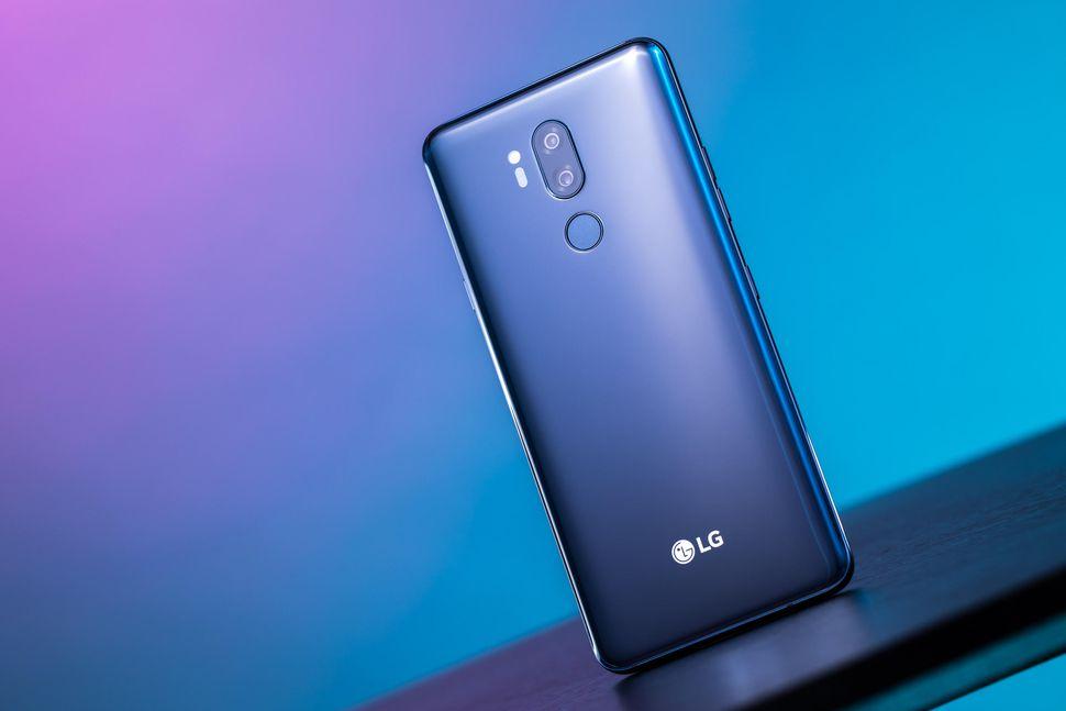 LG Electronics ia în considerare toate opţiunile pentru divizia sa de telefonie mobilă