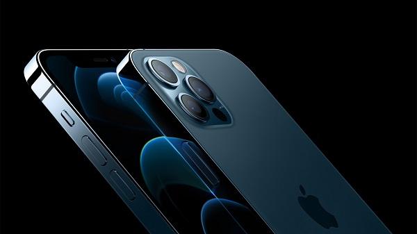 Apple repară mai multe vulnerabilităţi exploatate de hackeri în iPhone şi alte produse